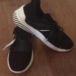 DV Styling Sneakers-NWOT